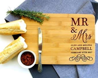 Personalized Cutting Board, Custom Cutting Board, Wedding gift, Mr & Mrs, Anniversary Gift