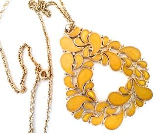 Vintage Saffron Yellow Enamel Mod Pendant Necklace 1960s Mod Design Vintage 60s 70s Necklace Vintage Enamel Necklace Gold Tone Boho Style