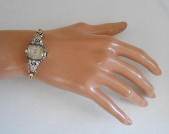 Vintage Diamond Welsbro 17J Woman Winding wrist watch. Keeps accurate Time