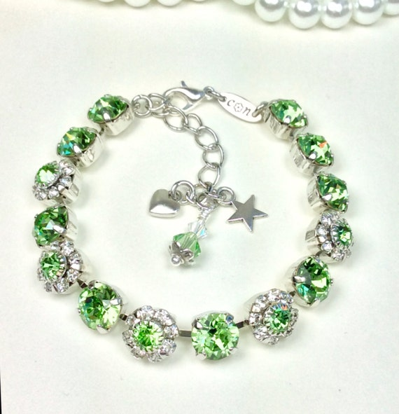 Swarovski Crystal 8.5mm Bracelet With Flowers -  Peridot Flowers for Your Wrist! - Beautiful Gift ! - August Birthstone - FREE SHIPPING