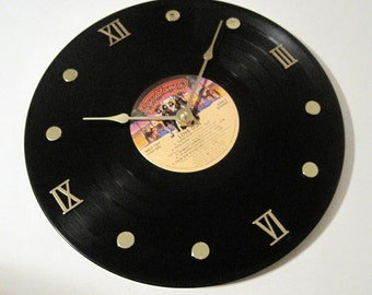 KISS record clock - Love Gun - Upcycled - Vinyl LP