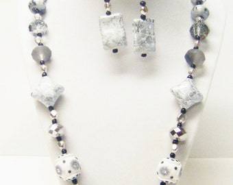 Chunky Gray/White Mixed Bead Strand Necklace/Earrings Set