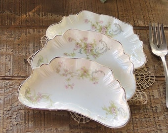 Johnson Brothers Baroda Bone Dishes Set of 3, Pink Rosebuds, Crescent Shape Dishes Tea Party Supplies, Wedding Table Decor Trinket Dishes