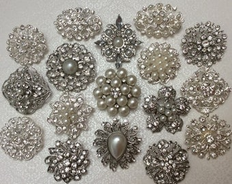 SALE 10 pc Assortment Medium Pearl and CRYSTAL Rhinestone Silver or Gold Metal Brooches with PINS Wedding Invitation Brooch Bouquet