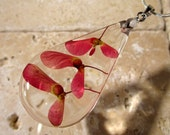 Maple seed teardrop necklace, Maple pendant, Leaf jewelry, Plant jewellery, woodland, nature, red, silver plated chain