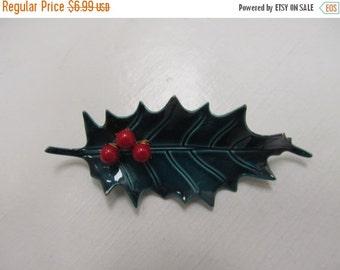 On Sale Vintage 3D Metal Holly Leaf With Berries Item K # 1902
