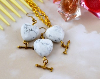 White & Grey Marbled Heart Jewellery Set - Gold Coloured Chain - Gold Coloured Cupid's Arrow Charm - Romantic Gift Idea