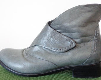 Vtg 80s BUTTER Soft Grey Cropped ANKLE Boots, 37, 7
