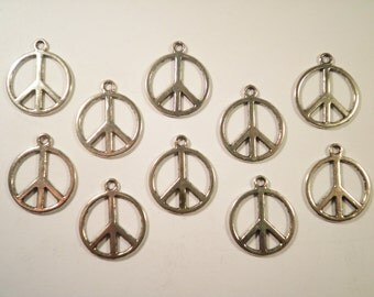 10 Silverplated 18mm Peace Sign Pendants