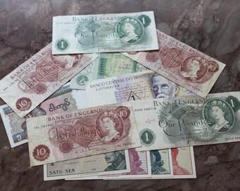 12 Banknotes....Various.