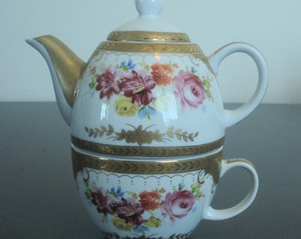 Royal Scotland Three Piece Stacking Teacup and Teapot with Gold Trim