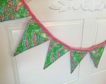 "Lilly Pulitzer Fabric ""Chomp Chomp"" 8 Flag Banner"