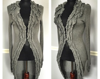 Gray cardigan adorned with ruffles- size Small