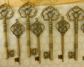 Set of 10 large skeleton keys bronze keys Victorian steampunk keys Santa key wedding favors skeleton key old vintage keys bulk clé schlüssel
