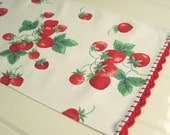 vintagey summer strawberry small table runner