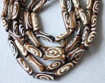 "Indian batik bone beads in brown and white - 24"" strand of bone beads, cow bone beads from India, ethnic jewelry supplies, Boho jewelry"