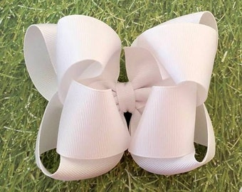 White Hair Bow...White Bow..School Hair Bow...Uniform Hair Bow...White Boutique Bow...Girls hair Bow...Toddler hair bow...infant hair bow
