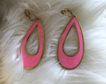 Hot pink '60s oval earrings