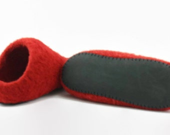 Womens felted red wool slippers Size 8