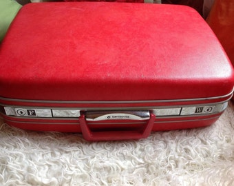 Vintage Samsonite Silhouette Red Pink Polka Dot Hard Shell Suitcase luggage