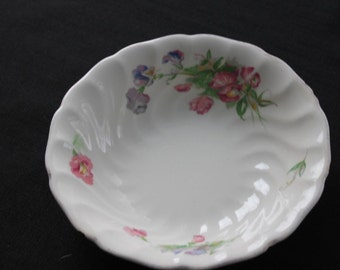 vintage Johnsons Brothers Old Chelsea cereal soup bowl sweet peas