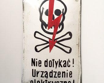 Skull & Crossbones Warning Sign