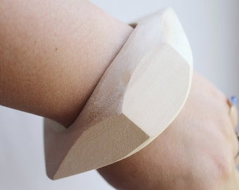 40 mm Wooden rhomboid bangle unfinished - with rounded corners - natural eco friendly Arrow40