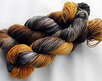 Handpainted Sock Yarn, 75 Wool  superwash, 25 Nylon 100g 3.5 oz.  Nr. 369