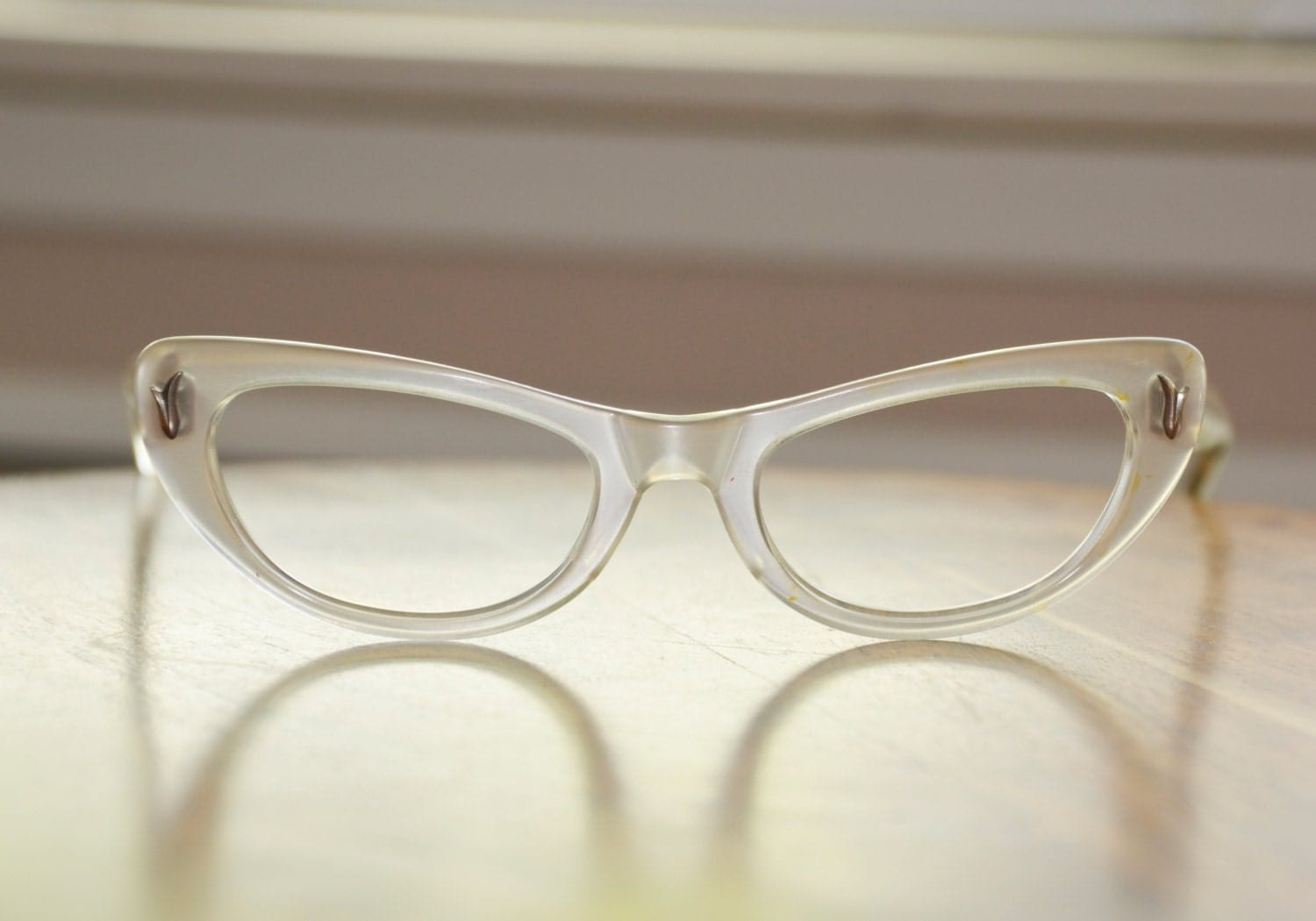 Eyeglass Frames With Pearls : Vintage Ray Ban Cat Eyeglasses Alita White Pearl USA