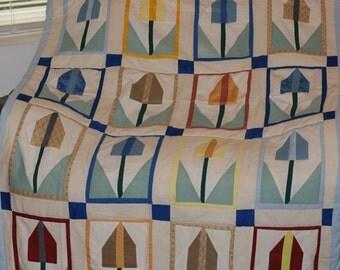 Tulip Twin Quilt