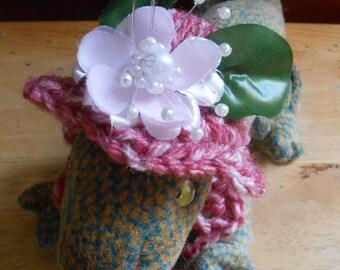 Crocheted Bearded Dragon Hat, Easter Flower Hat, Bearded Dragon Clothes, Tiny Pet Bonnet, Beardie Valentine Hat
