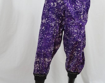 Yoga pants for the studio and the street. Harem capris, boho gypsy pants- ComfyCottons from Aritkrti.
