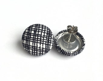 Scratch paper black and white lines fabric bitton earrings