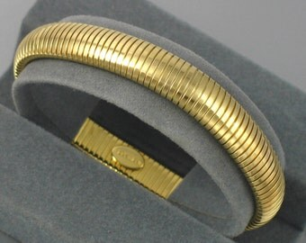 Vintage PARK LANE Goldtone Ribbed Bracelet with original box. 6-3/4 inch. Vintage Park Lane Bracelet. Jewels by Park Lane. Park Lane Jewelry