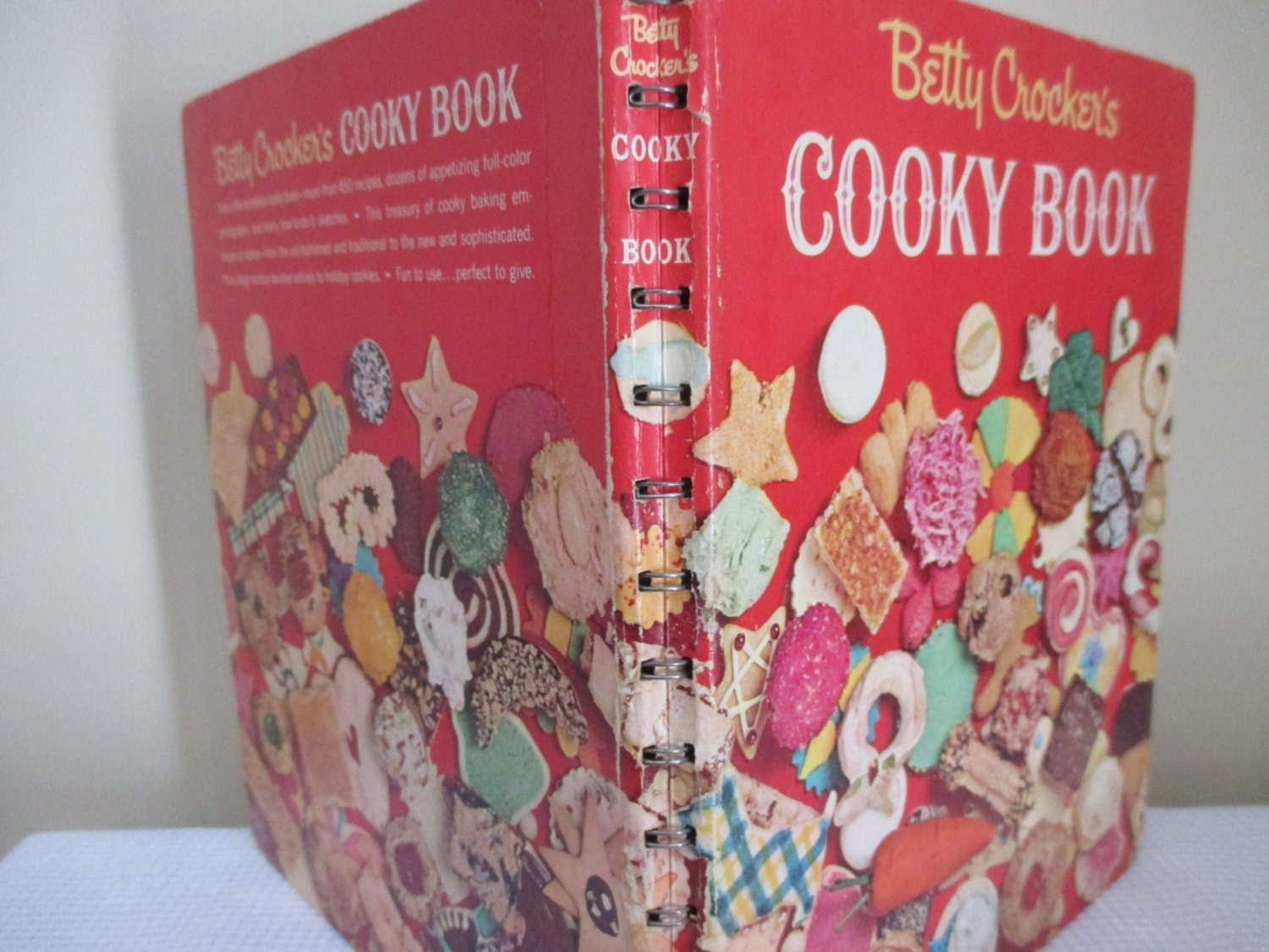 BETTY CROCKER'S COOKY BOOK HARDCOVER SPIRAL BOUND COOKBOOK 14TH PRINTING 1973
