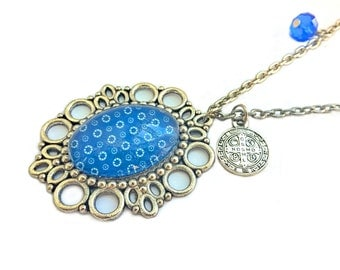 Glass cabochon necklace