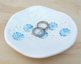 Ceramic ring dish with turquoise flowers. Ring holder, jewellery holder, ring bowl. Blue porcelain dish. Engagement or wedding gift.