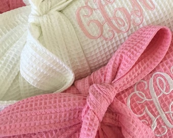 Bridesmaid Gift, Bridesmaids Robes, Monogrammed Robe for Wedding Party, Short Kimono Waffle Weave, Perfect Bridesmaids Gift