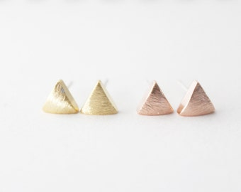 Tiny triangle earrings // Rose Gold or gold