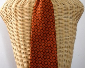 Vintage 60s men's tie 100 % polyester from Grants.