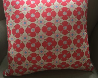 """Cushion Cover/Pillow in """"Grandmother's Flower Garden"""" . Cover to fit a 45cm or 18 inch insert."""
