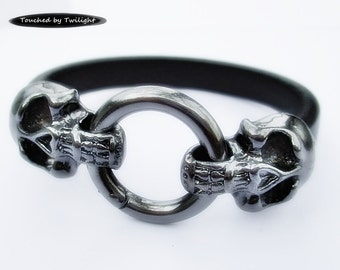 Leather Skull Bracelet - Black Regaliz Leather with Gunmetal Double Skull Snap Clasp