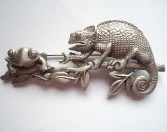 Vintage Signed JJ Silver pewter Lizard and Frog on Branch Brooch/Pin