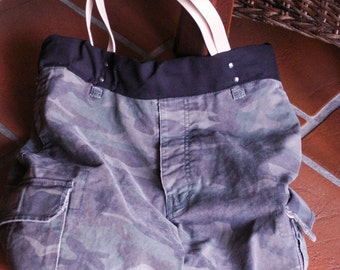 Camouflage Upcycling turn bag with leather handles
