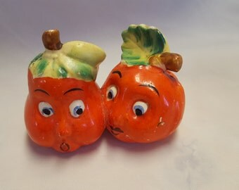 SALE Salt and pepper shaker with two tomatoes made in Japan with cork plugs