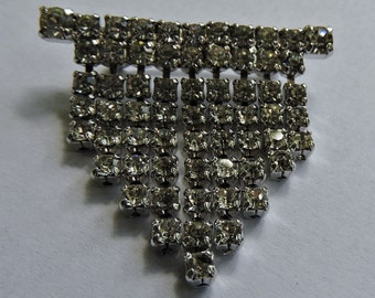 Vintage Rhinestone Bar Dangle Rhinestone Brooch  Pin Has alot of Bling Swaying Brooch Pin
