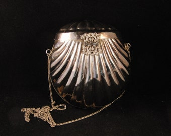 Vintage metal silver color purse