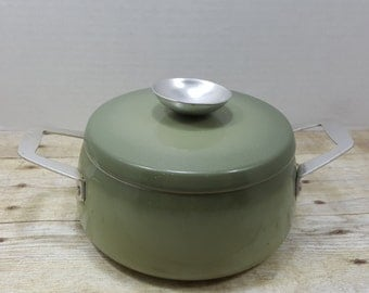 Aluminum Pot, small sauce pot, Regal, Avocado Green, vintage pot with lid
