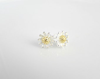 Silver Daisy Earrings, Daisy Earrings, Flower Studs, Bridesmaid Gifts, Daisy Post Earrings, Gift for Mom, British Seller UK, Silver Jewelry
