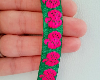Green Trim With Fuchsia Pink Apples, Approx. 16mm wide - 170216L9
